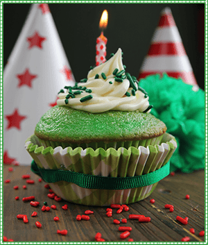 Lucky Cupcakes for March Birthday Ideas from The Elf on the Shelf