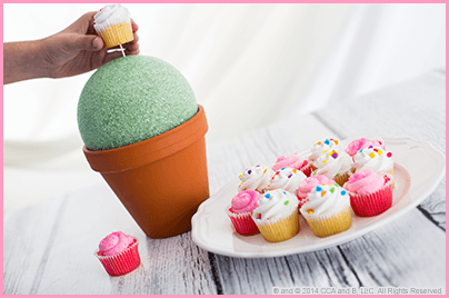 The Elf on the Shelf's Mother's Day DIY Cupcake Bouquet Step 3
