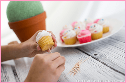 The Elf on the Shelf's Mother's Day DIY Cupcake Bouquet Step 1