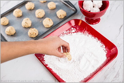Simple Snowball Cookies – The Elf on the Shelf
